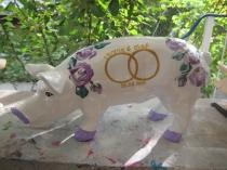 Sparschwein mit flieder Rosen zur Hochzeit