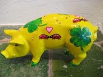 Sparschwein mit Marienkäfern