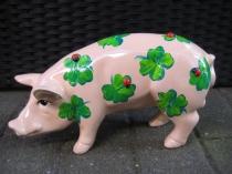 Sparschwein mit Glücksklee