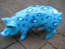Sparschwein im Leoparden- Look