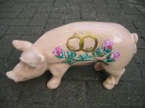 Sparschwein mit Rosen zur Hochzeit