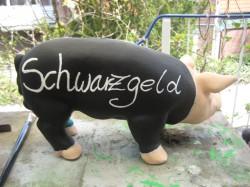 Sparschwein Bierkasse und Schwarzgeld_2